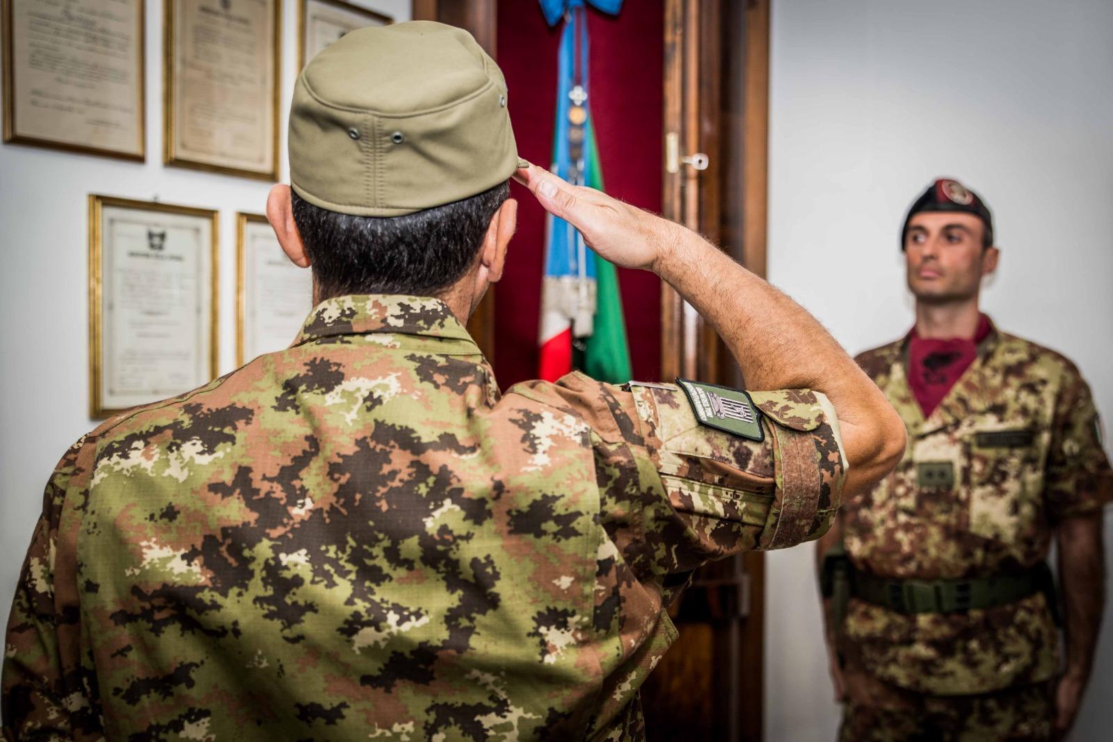 Saluto alla Bandiera di Guerra del 7 Bersaglieri