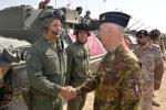 Il Generale Vecciarelli incontra un equipaggiocarri