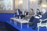 1. Il Capo di SME con i relatori durante la prima tavola rotonda del 2°Meeting Nazionale sulla Comunicazione