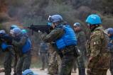 10_Missione in Libano_momento dell'esercitazione di tiro, militare finlandese con arx 160