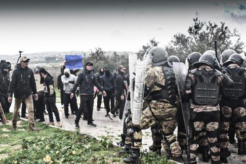 6- addestramento anti sommossa italo-malese