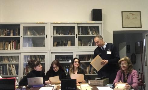 Da destra Elisabetta Cerchiari, 1° Lgt Luciano De Luca, Alessia A. Glielmi, Jessica Rosignoli, Marta Carnevali.