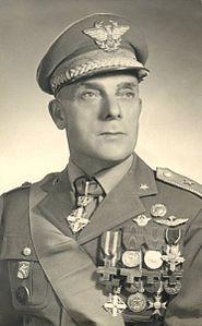 185px-Generale_Giuseppe_Izzo
