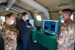 2. Il Sottosegretario di Stato alla Difesa e il Capo di Stato Maggiore dell'Esercito durante l'attività