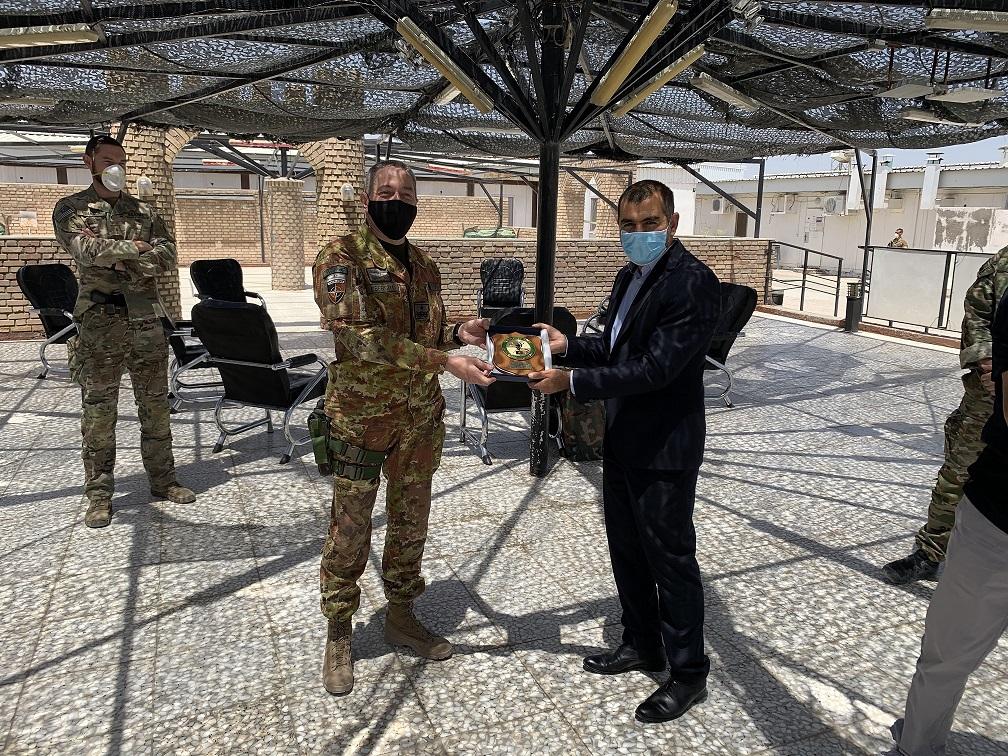 1. Il Generale Barduani con il Governatore Qattali