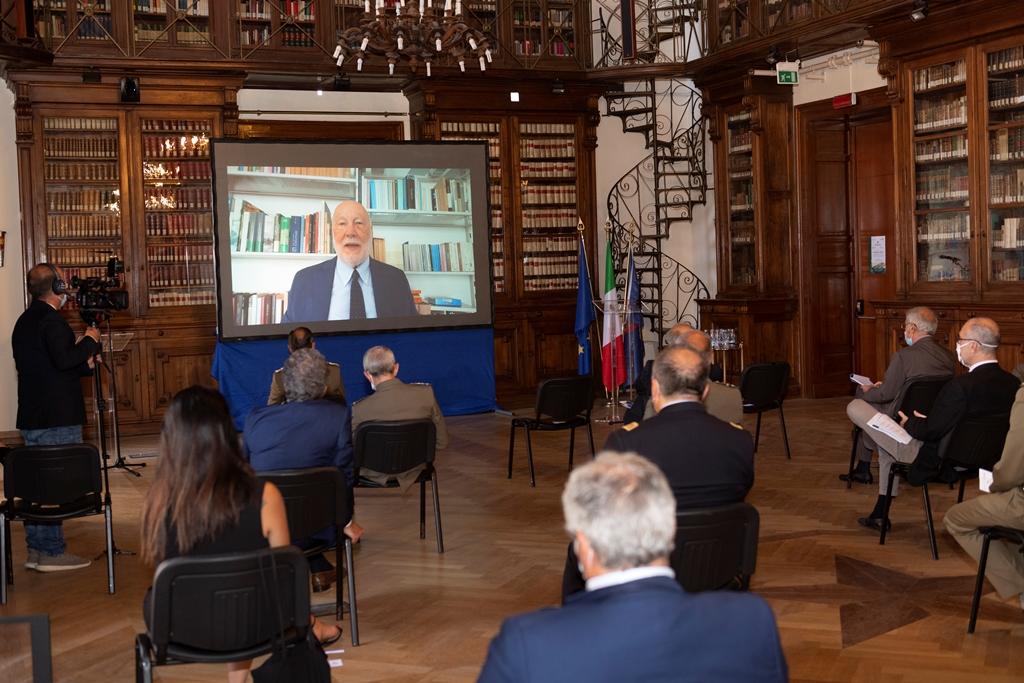 Il Prof Domenico De Masi in collegamento